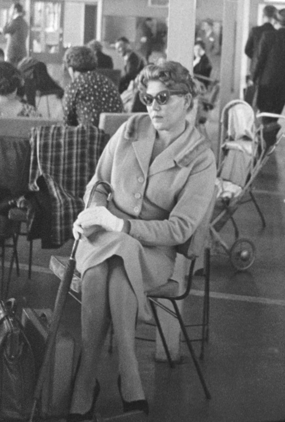 ASIO surveillance photograph of Lydia Janovska at Mascot Airport, Sydney, 1960.