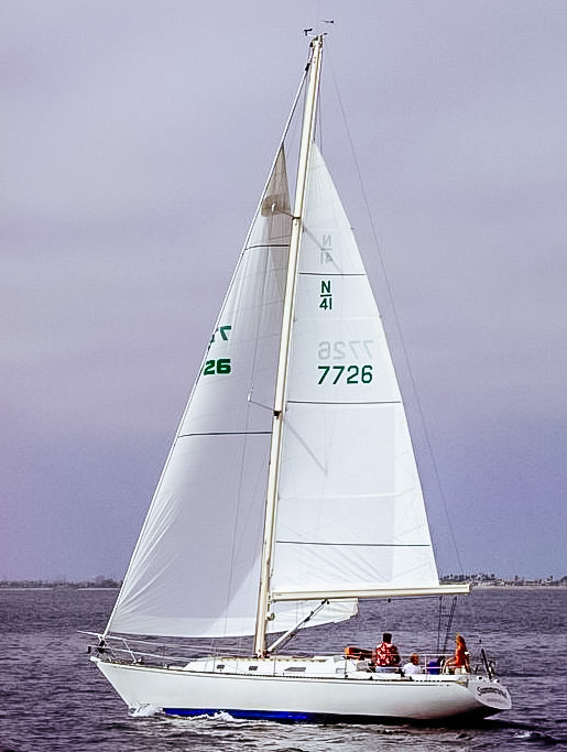 Boom furling mains are reefed to a full-length batten. Once the batten is rolled tight against the mandrel inside the boom, the sail's reefed foot is pulledstraight, which makes the foot flat for a well-reefed shape.