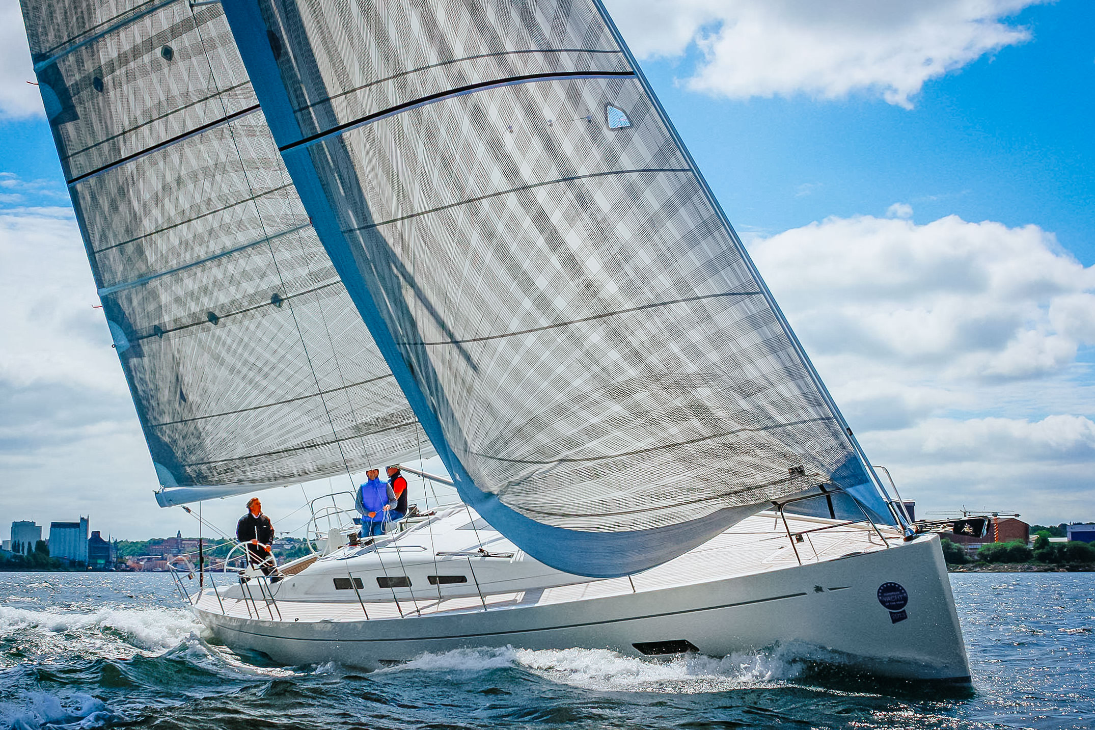 An Italia 13.98 with X-Drive carbon sails for both cruising and club racing.