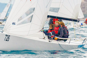 Radial Woven Polyester   Description:  Tri-Radial panel layout   Boat size:  24-35 feet or 7-11 meters   Construction:  Long narrow panels radiating from the three corners that attempt to follow the load paths between the corners. The straight fibers in each panel are discontinuous because they are cut on every seam unlike our Tape-Drive, X-Drive and Titanium sails.   Material:  Warp-oriented woven polyester cloth   Shape Stability:  ★★     Shape after 500 hours:  Circa 40%   Price:  $$$