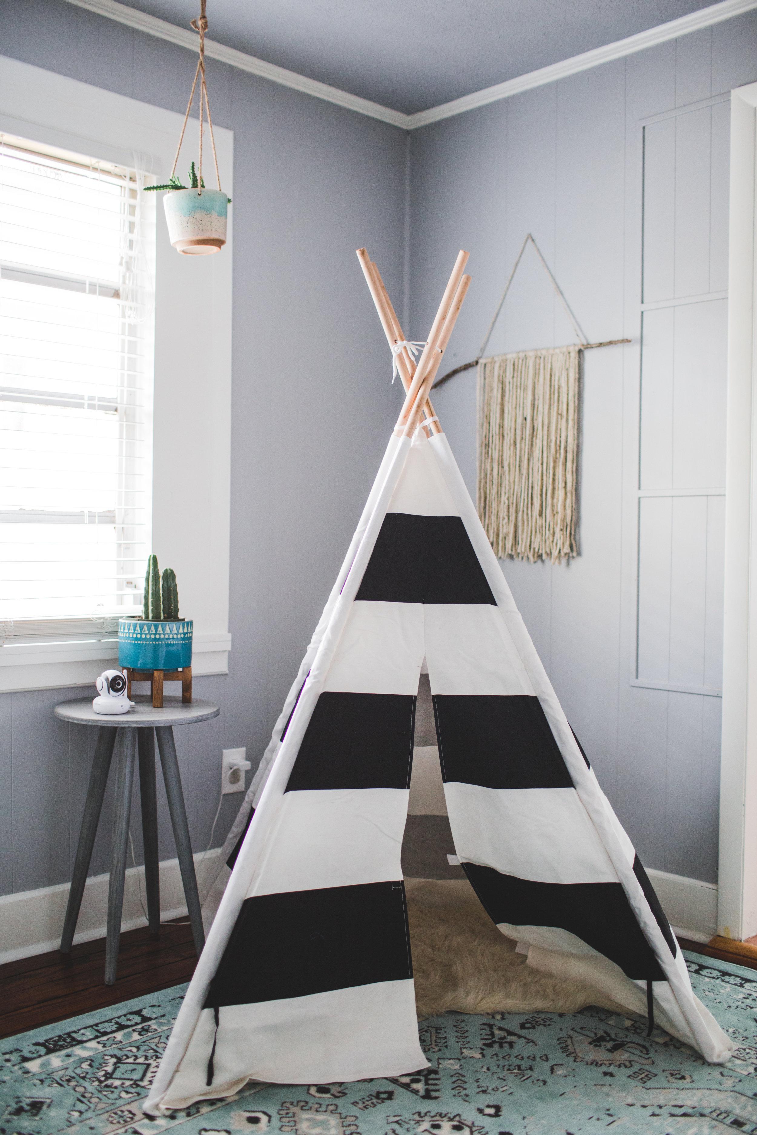 childs bedroom teepee