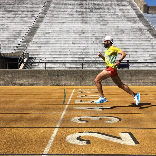 Back at the track! Getting after some leg speed. Going after a Road marathon PR this fall. 💪🏻 . . #marathontraining #trackworkout #hokaoneone #timetofly #victorysportdesign #os1st #squirrelsnutbutter #drymaxsocks #headlandsbrewing #nakedrunningband