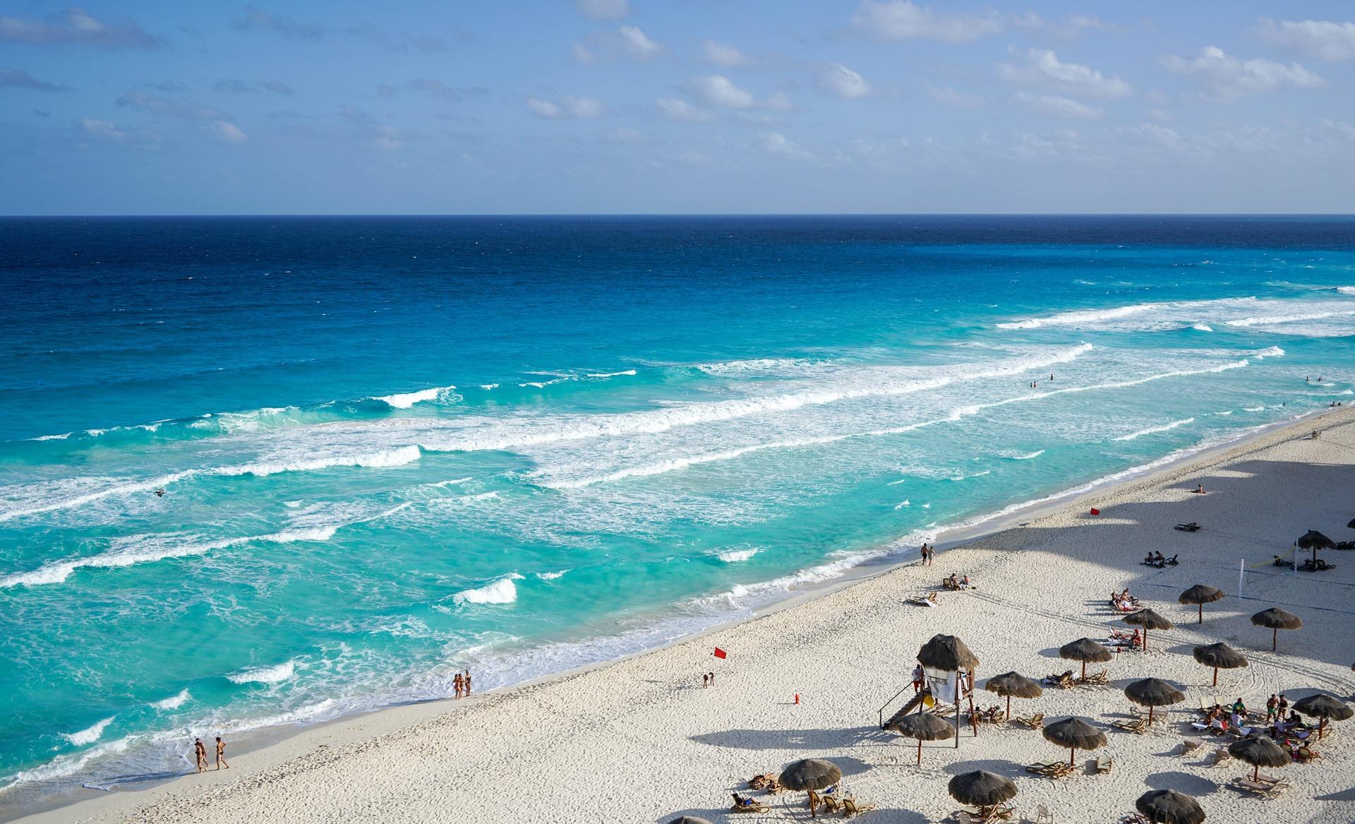 Para los viajeros más exigentes. Disfruta las tonalidades de sus cálidas playas en un lujoso Resort a pie de Playa.