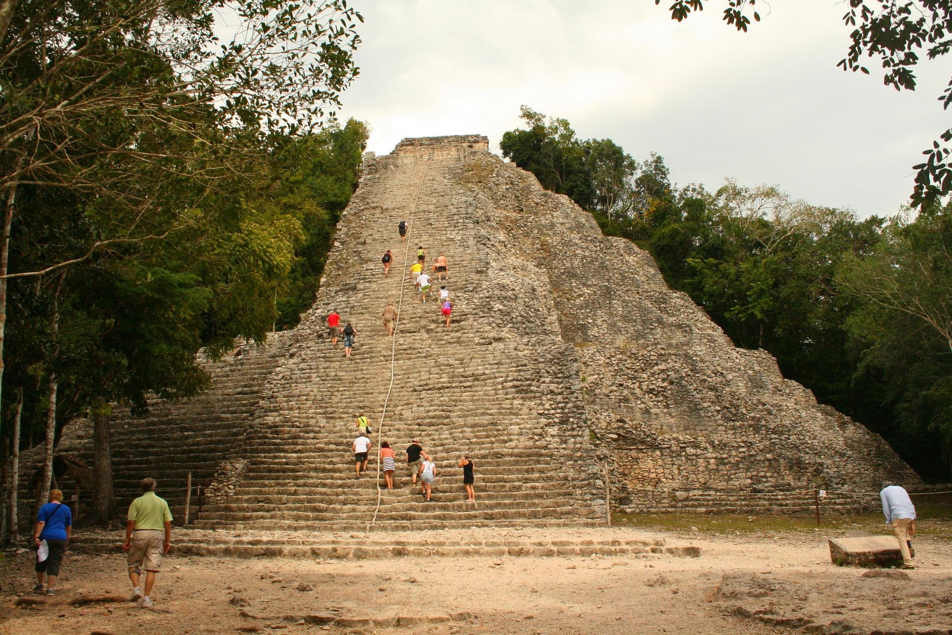 pyramid-747366_1920.jpg