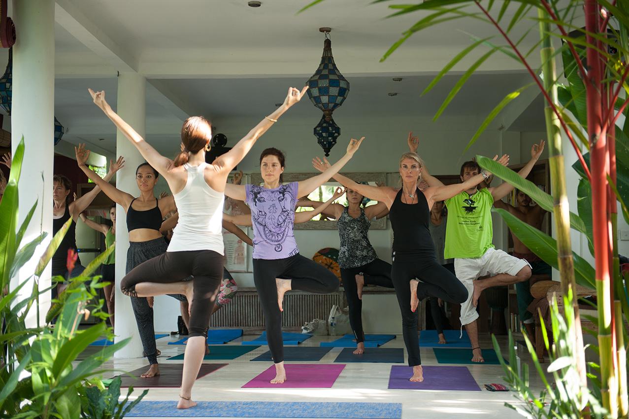 robyn-yoga1.jpg