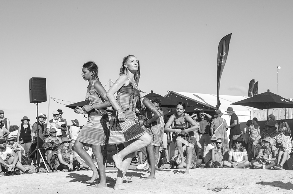 Dancers at Bluesfest Boomerang