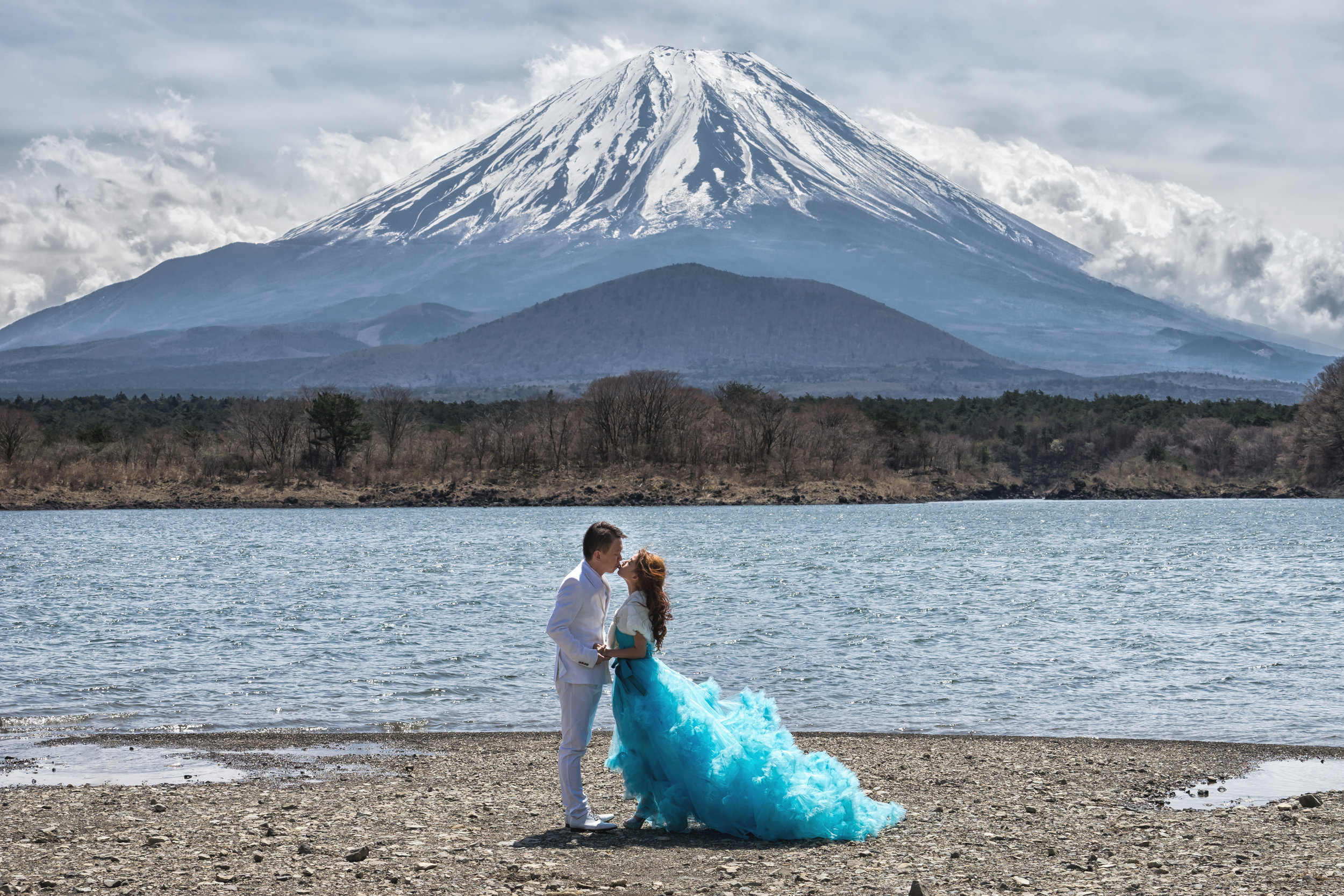 Beautiful weather in Japan, in front of the majestic Fuji Mountain. Photo credits:  Kevin Ho Studios.