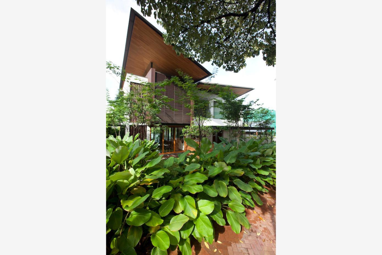 HILLSIDE HOUSE_CMY_01.jpg