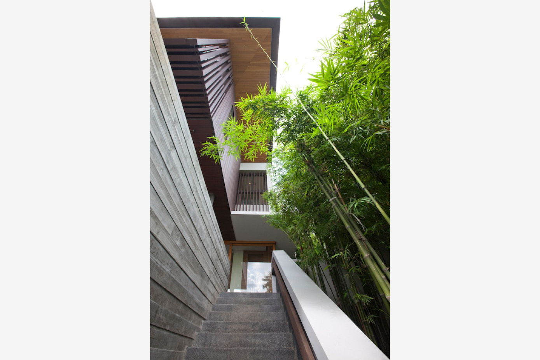 HILLSIDE HOUSE_CMY_03.jpg