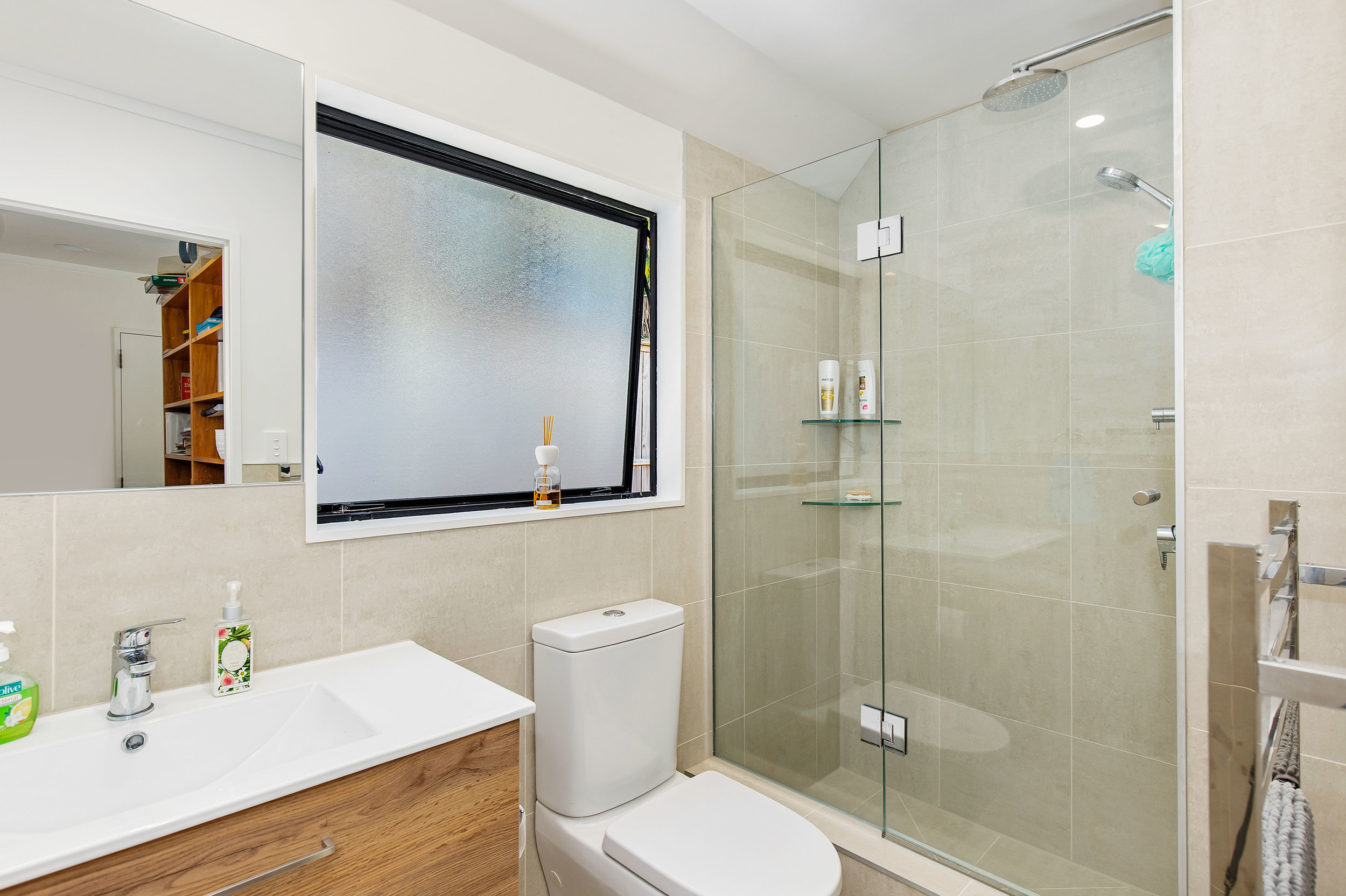 E J Building Auckland bathroom renovators