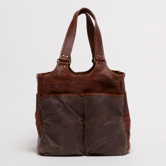Moore and Giles Belle Picnic Tote - An ideal organizer for weekend market runs or for toting around everyday essentials.Six exterior pockets each include a different bottle of wine.