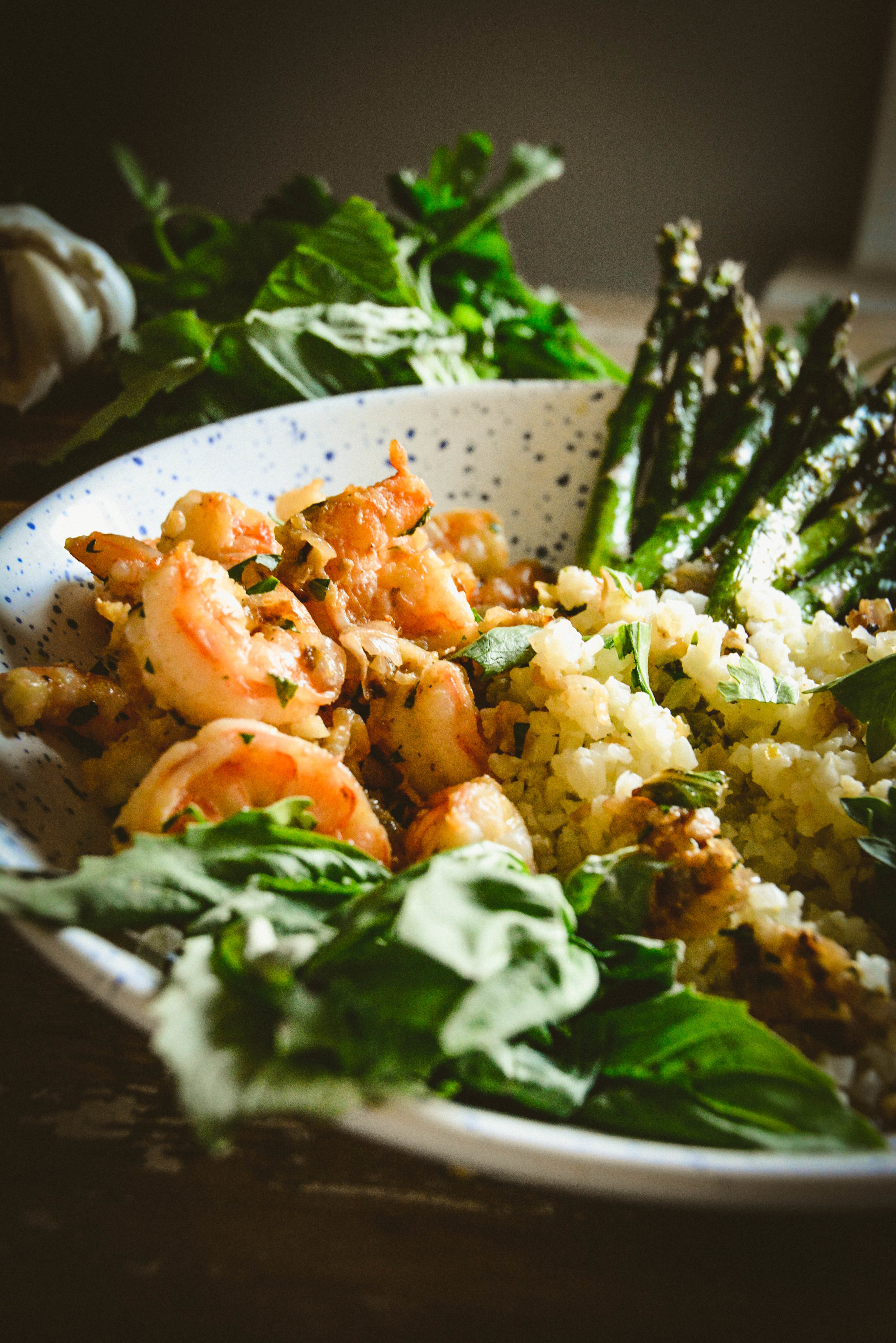 shrimp, cauliflower and asparagus in lemon oil