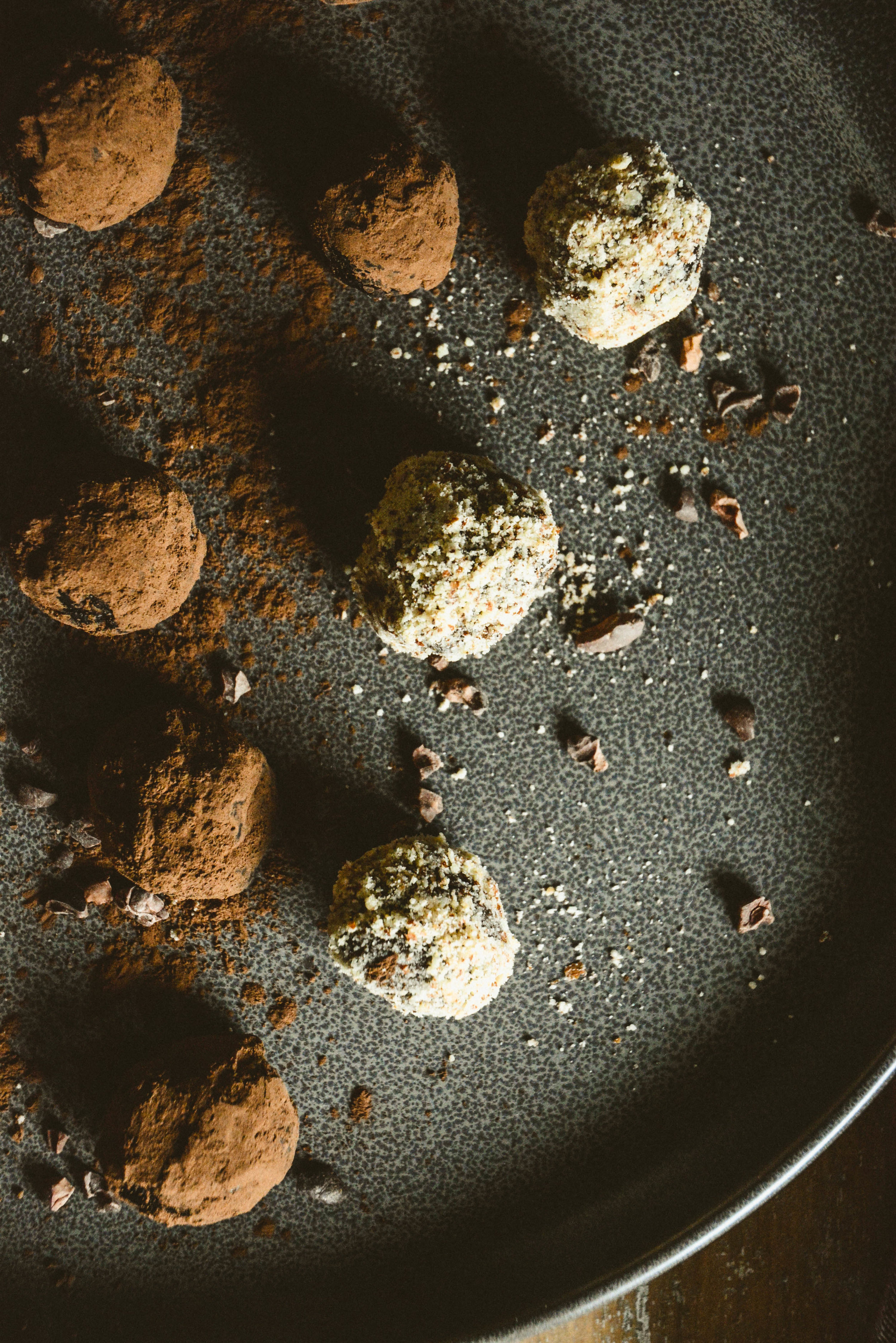 almond chocolate balls (7 of 20).jpg