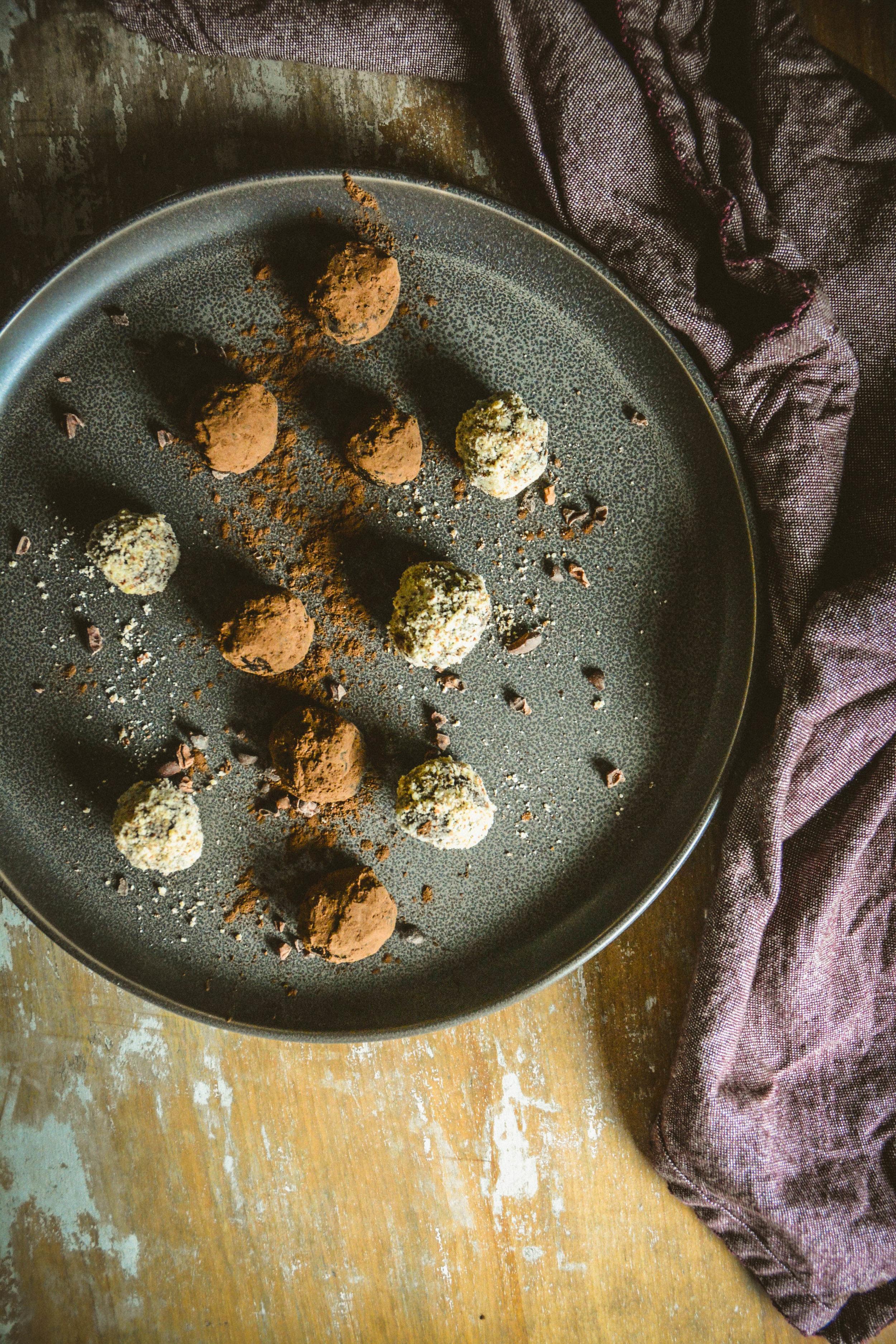 almond chocolate balls (15 of 20).jpg