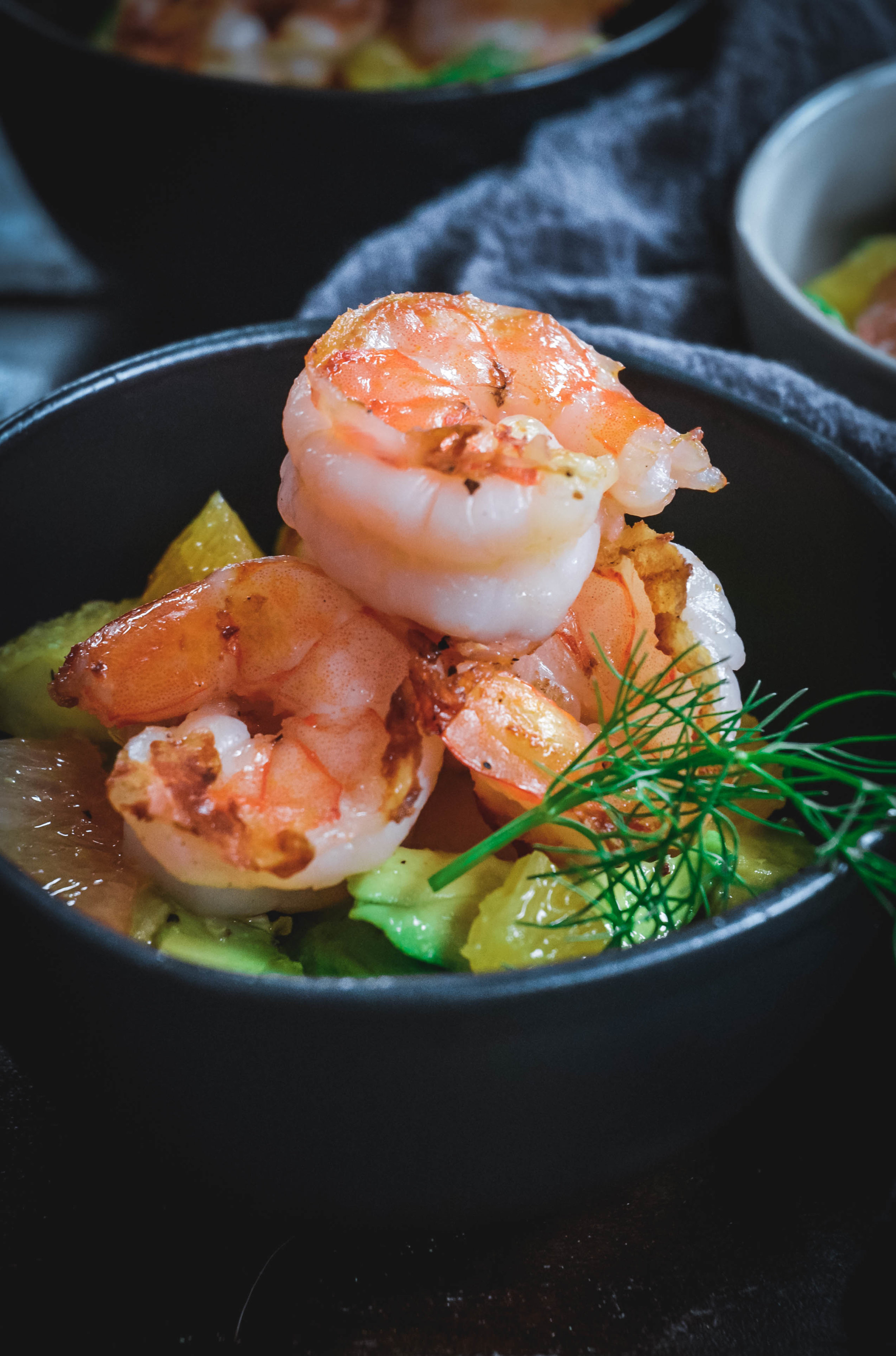If you're looking for a healthy and easy shrimp salad, try this fennel, avocado and citrus salad topped with grilled shrimp. It's a burst of flavor in every single bite. This shrimp salad is also paleo and whole 30 approved. #shrimpsalad #shrimp #seafood #citrussalad #citrus #avocado #paleosalad #whole30sdalad #calmeats #whole30recipes #paleorecipes #seafoodrecipes #easyseafoodrecipes #simpleseafoodrecipes #quickrecipes
