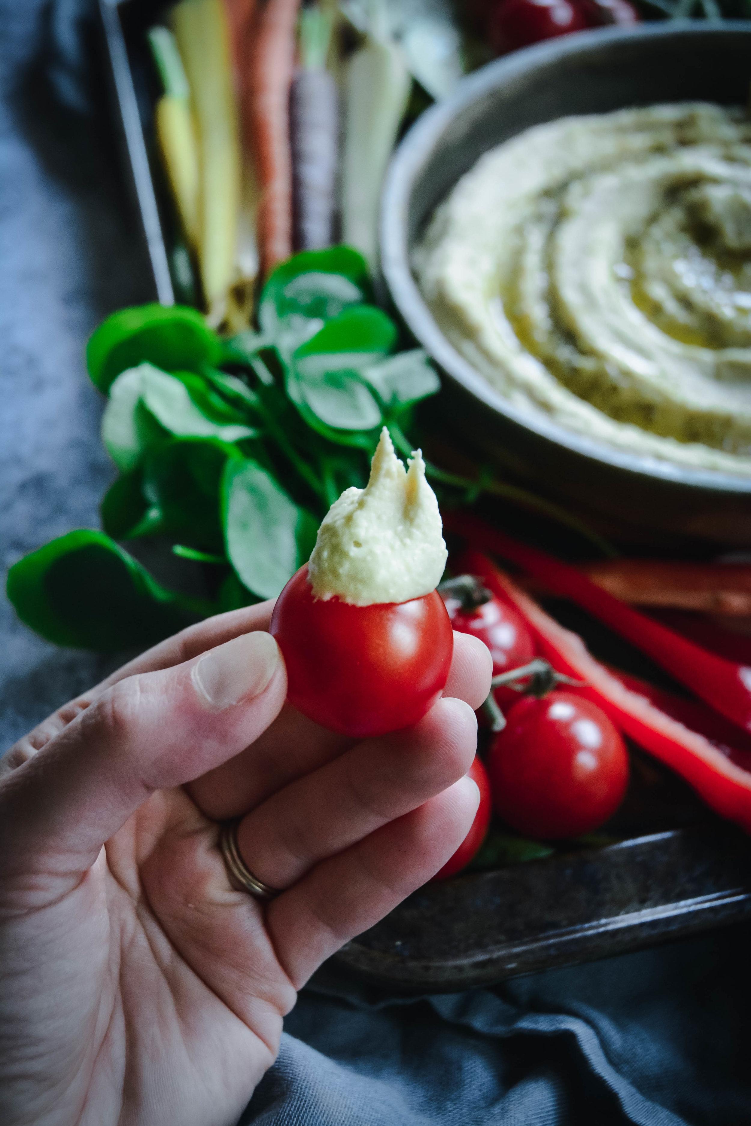 hummus and tomato
