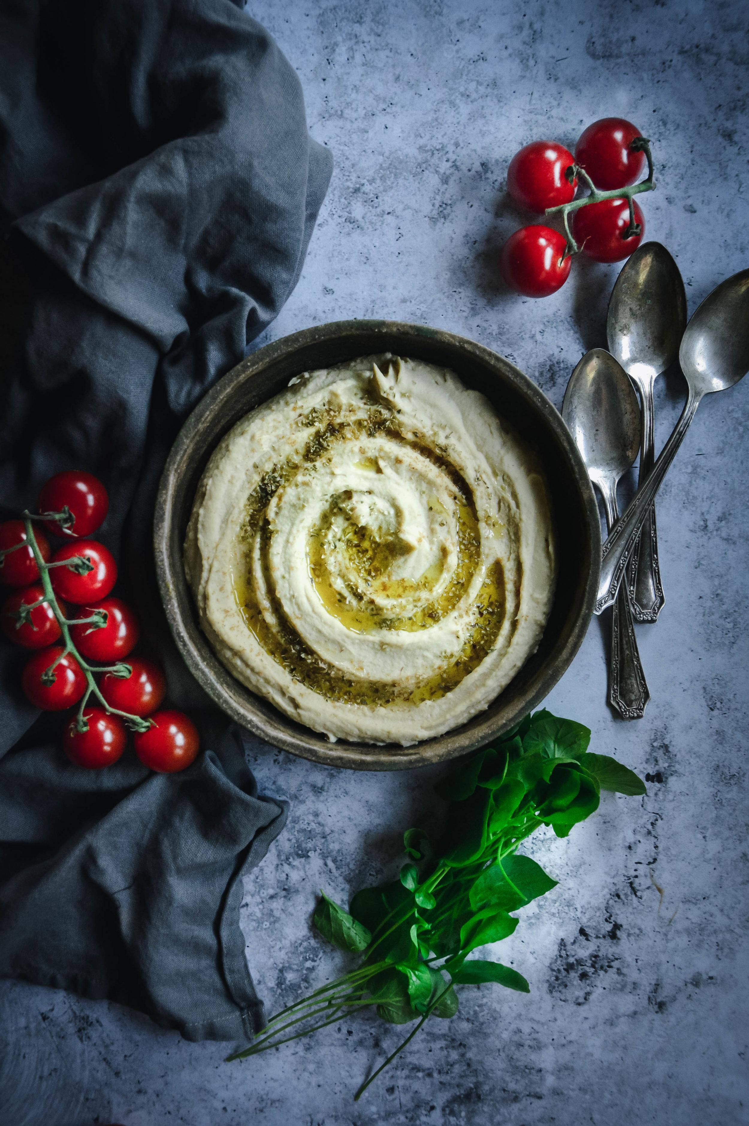hummus and tomatoes