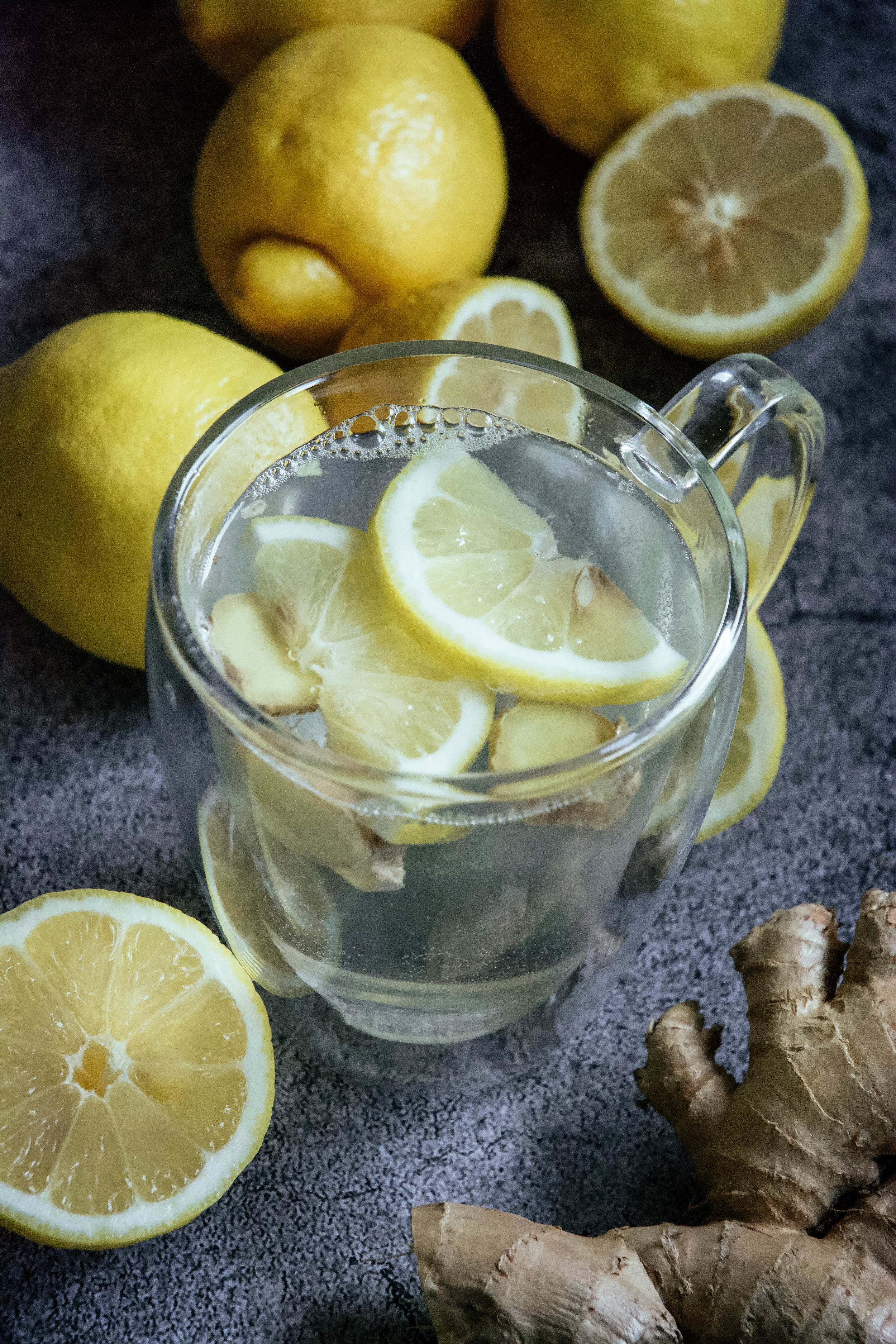 lemon water with ginger