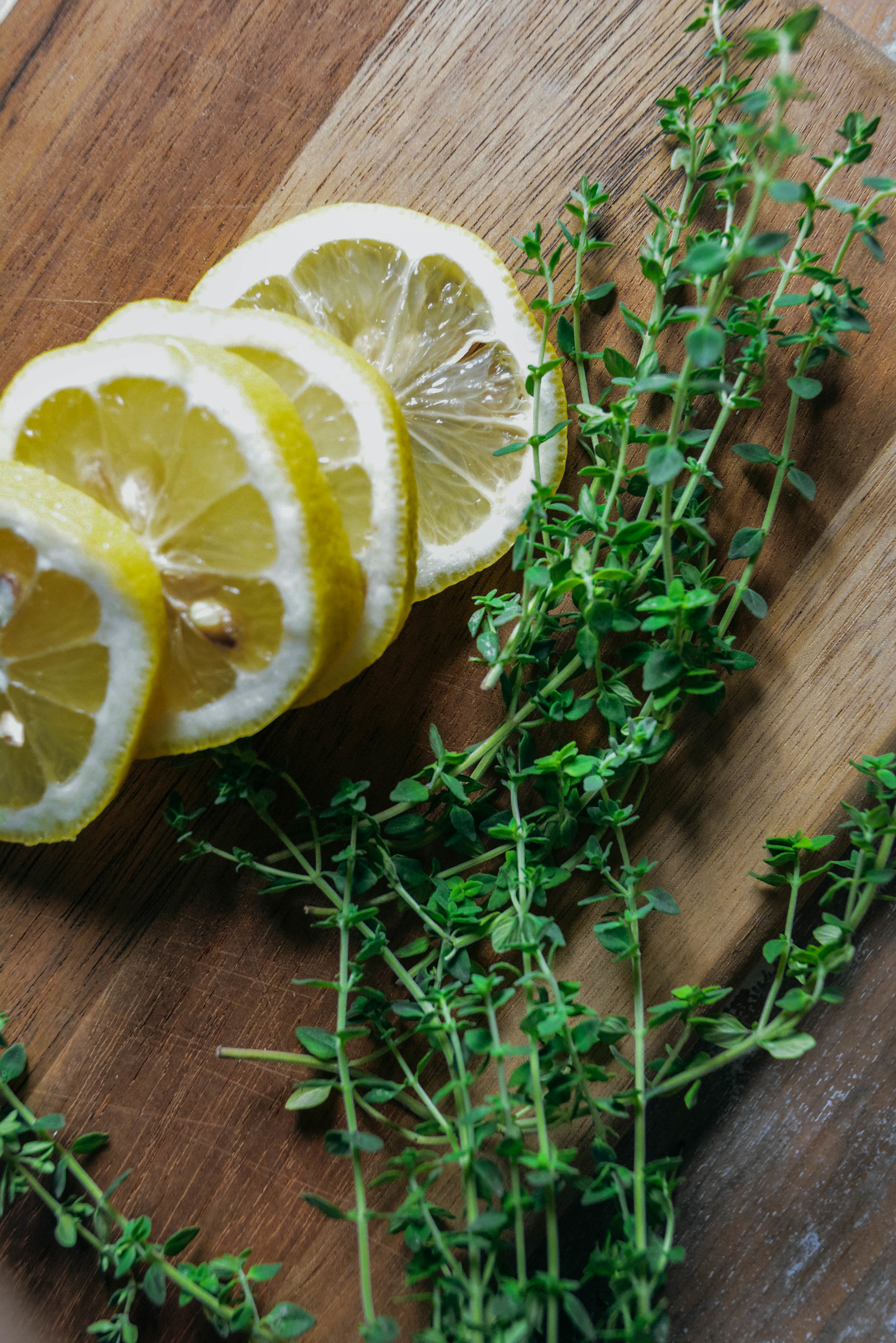 lemon slices and thyme