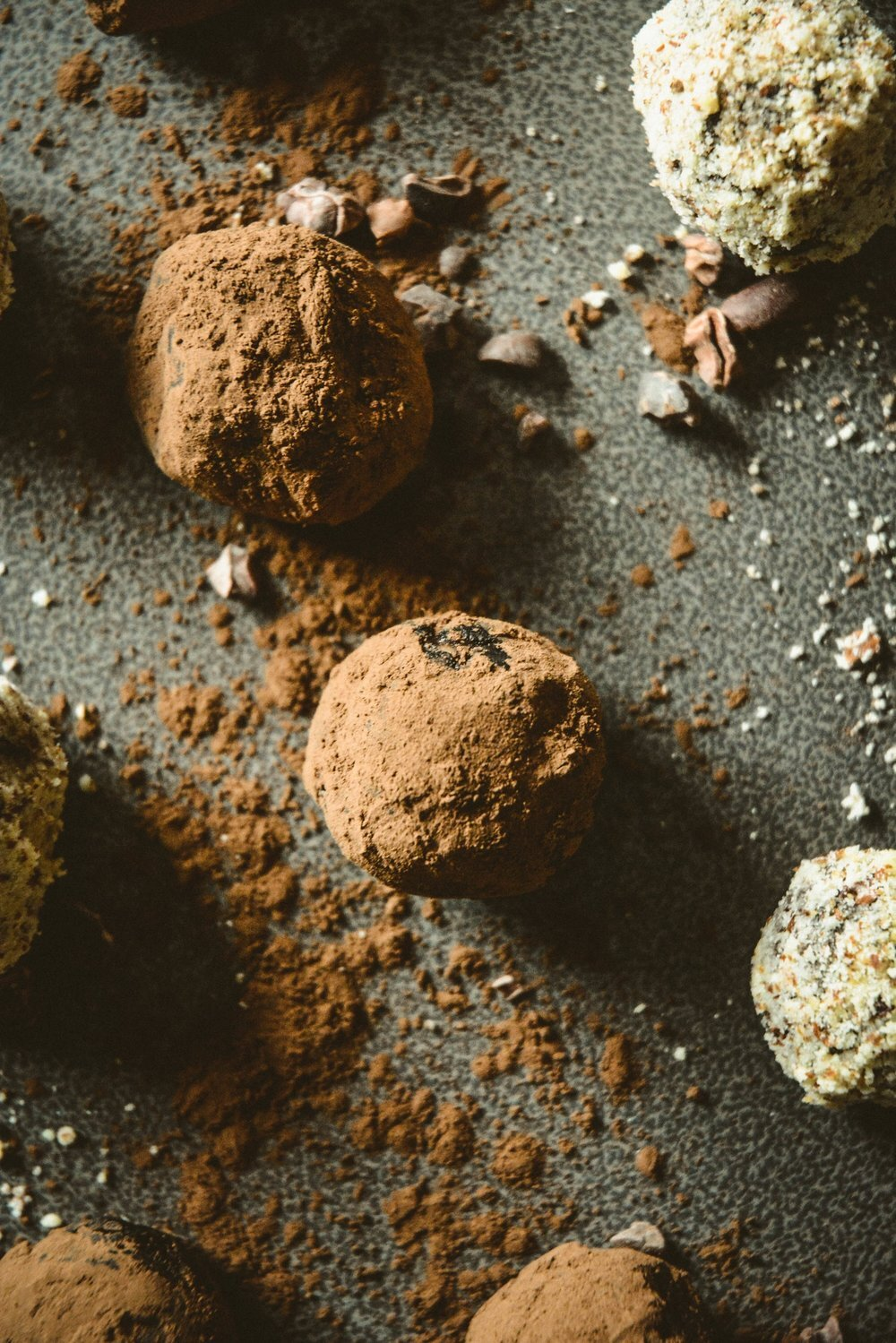 almond crusted chocolate truffles