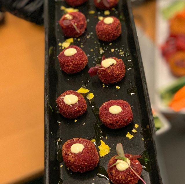 Mini veggie burger bites. . . . . . . . . #melt_catering #privateeventcatering #localingredients #eatlocalzurich #everythinghomemade #meltcateringzurich #cateringzurich #corporatelunchcatering #zurichcatering#weddingcateringzurich #weddingszurich #Zurichparties #foodiezurich #zurichfoodie #bestofzurich #instafoodcatering #catering #customizedmenu  #corporatelunchzurich #zurichrestaurants #eatzurich #restaurantszurich #localwinezurich #Localbeerzurich #zürichrestaurants #eatlocalzürich #zurichlife #zurichlife #zurichlifestyle  #homemadezurich