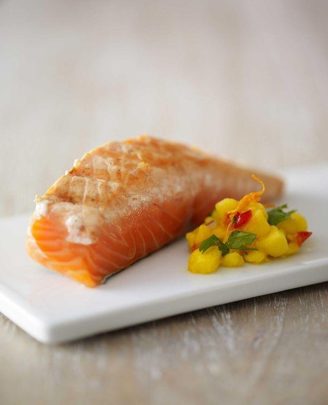 Salmon filet with mango salsa . . . . . . . . #melt_catering #mangosalsa #salmonfilet #privateeventcatering #localingredients #eatlocalzurich #everythinghomemade #meltcateringzurich #cateringzurich #corporatelunchcatering #zurichcatering#weddingcateringzurich #weddingszurich #Zurichparties #foodiezurich #zurichfoodie #bestofzurich #instafoodcatering #catering #customizedmenu  #corporatelunchzurich #zurichrestaurants #eatzurich #restaurantszurich #localwinezurich #Localbeerzurich #zürichrestaurants #eatlocalzürich #zurichlifestyle  #homemadezurich