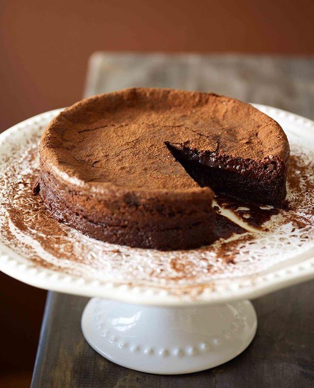 Chocolate fudge cake . . . . . . . . #melt_catering #chocolatecake #zurichchocolate #privateeventcatering #localingredients #eatlocalzurich #everythinghomemade #meltcateringzurich #cateringzurich #corporatelunchcatering #zurichcatering#weddingcateringzurich #weddingszurich #Zurichparties #foodiezurich #zurichfoodie #bestofzurich #instafoodcatering #catering #customizedmenu  #corporatelunchzurich #zurichrestaurants #eatzurich #restaurantszurich #localwinezurich #Localbeerzurich #zürichrestaurants #eatlocalzürich #zurichlifestyle  #homemadezurich