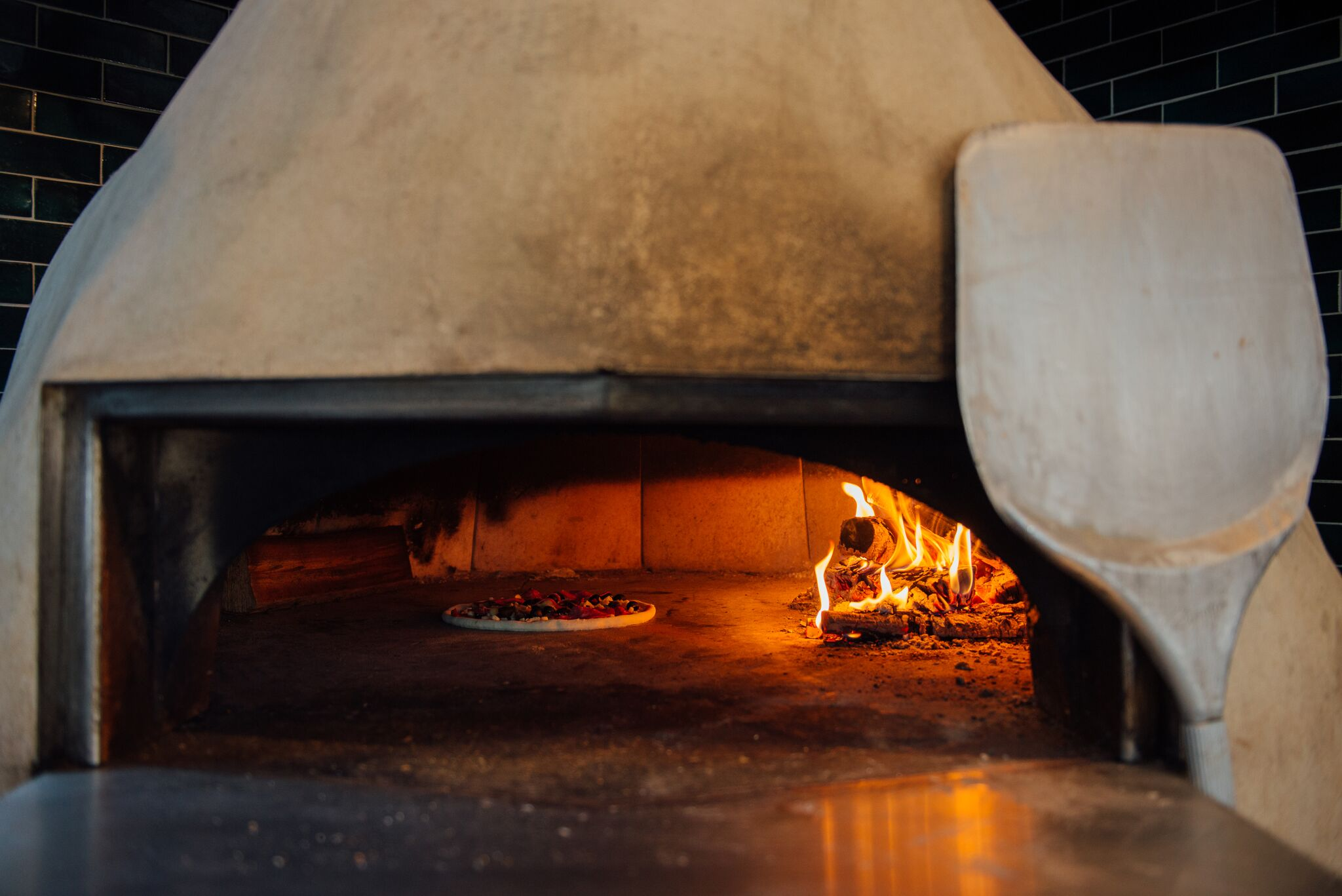 The Kings Head Kitchen Pizza Oven.jpg