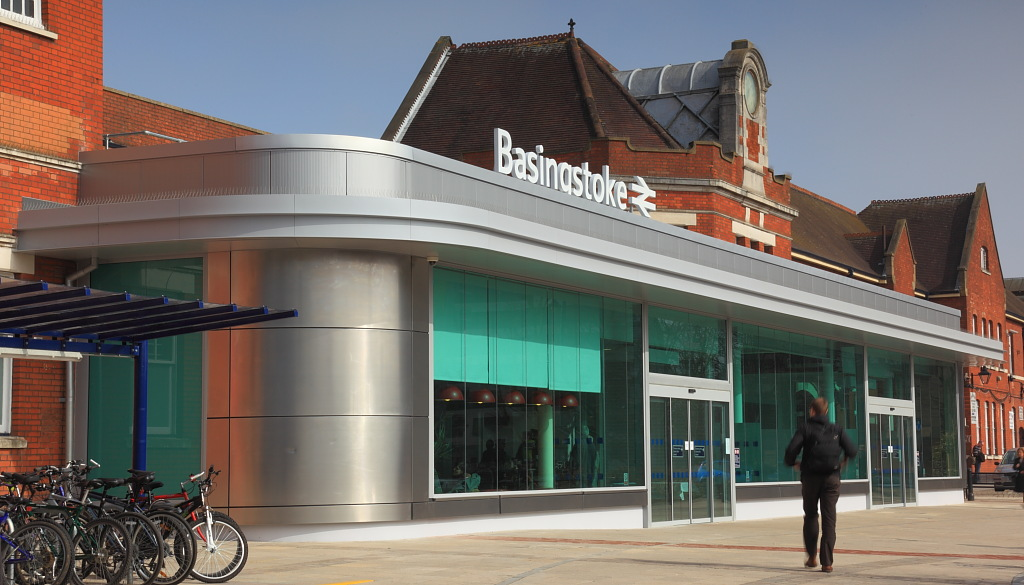 Basingstoke Station6.JPG