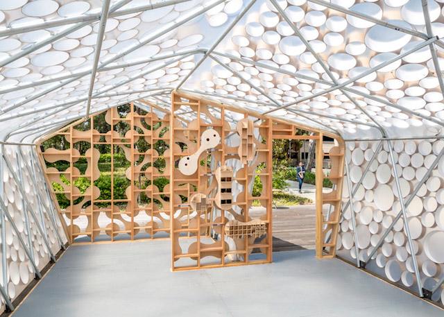 Interior shot showing lightweight structural frame and cardboard tubes shrinkwrapped in ETFE.