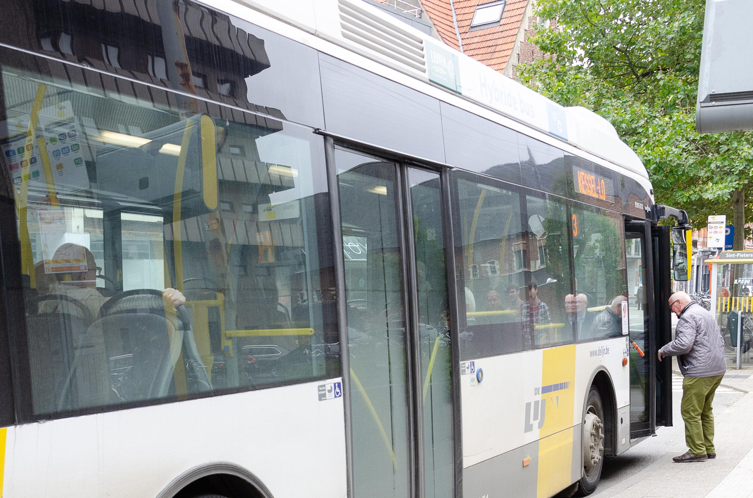 Bus-3.JPG