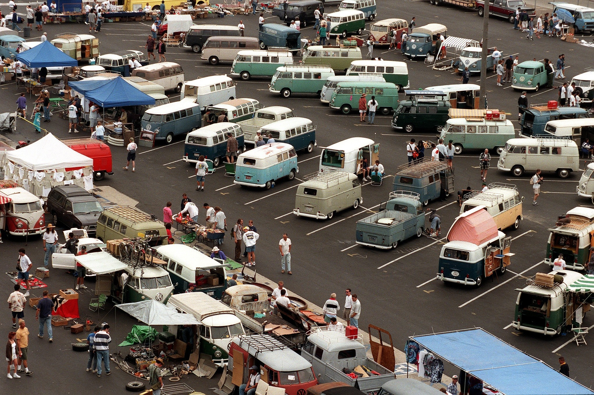 VW Bus get together in long beach.jpg