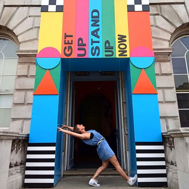 When you plan on going to the exhibition but end up getting carried away with doorways and catch ups with your mates!  Thanks to @lisarapscallion for the photo  #cityismyplayground #london #connection #mates #yesmate #friends