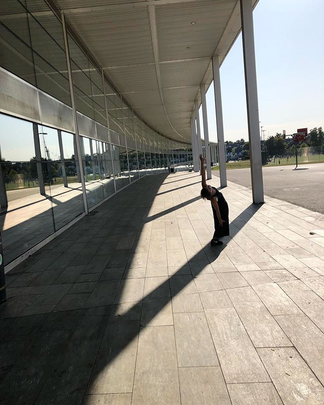 What a day for Open house ☀️ This is the Capital City Academy. The architecture is by the one and only Sir Norman Foster and oozes yuminess with it's clean, curved lines reflecting sky and surrounds. Delicious!  #freeyourspine #OHL19 #openhousefacade #cityismyplayground #movemore