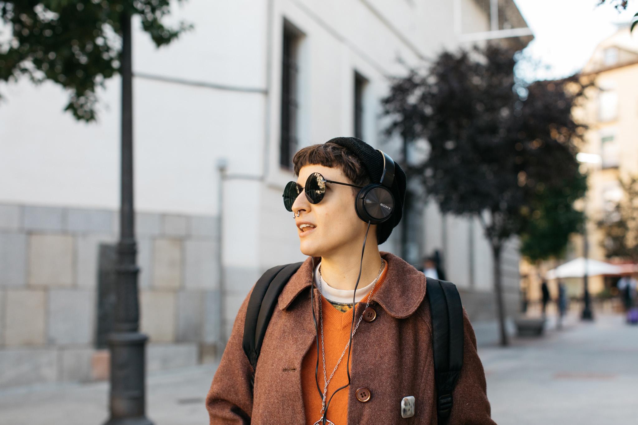 Deezer + street portraits   A European campaign for Deezer meeting strangers in the street