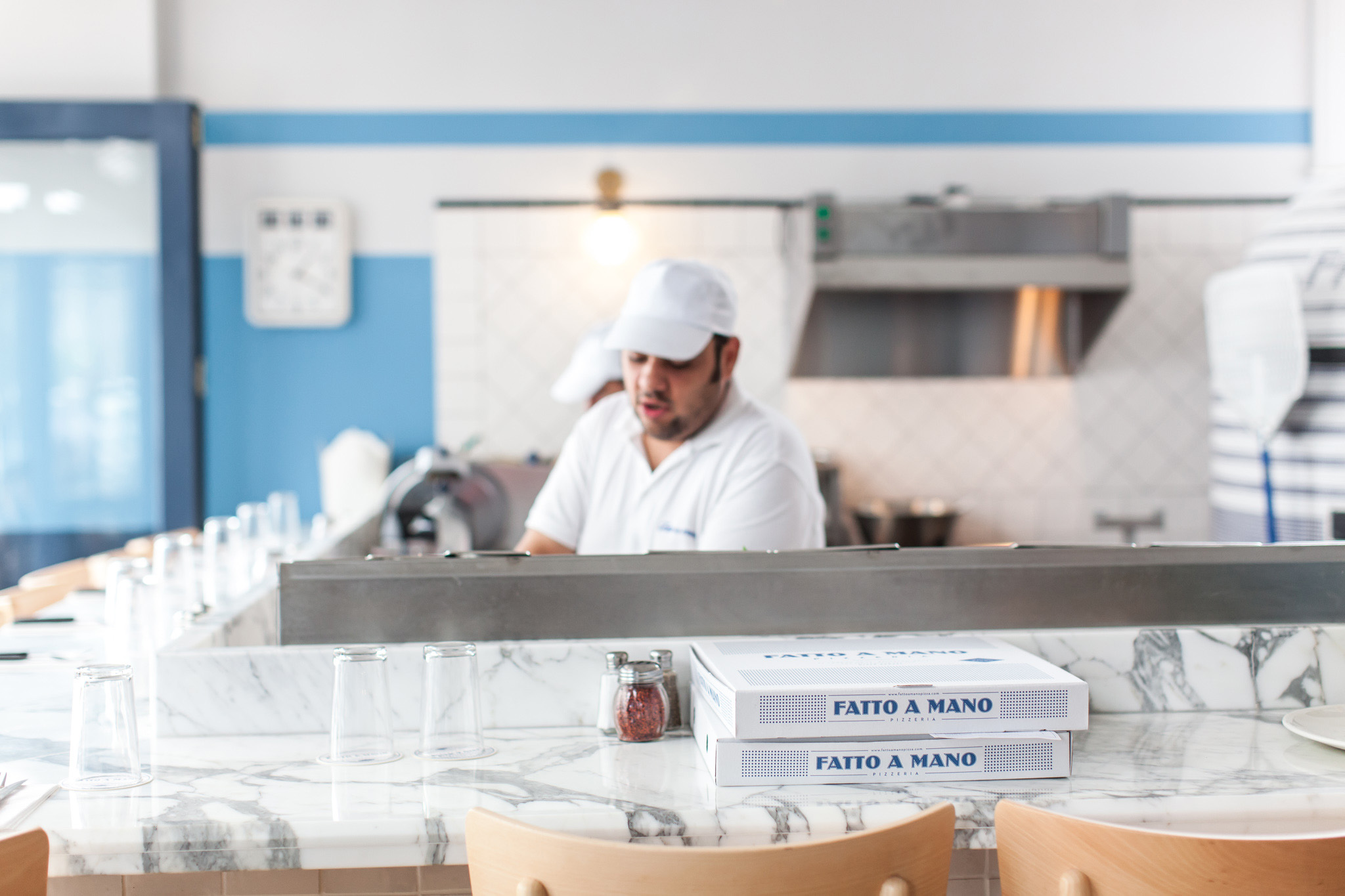 A day in the life of a busy pizzeria. Fatto a Mano in Brighton and Hove captured by food photographer Emma Gutteridge