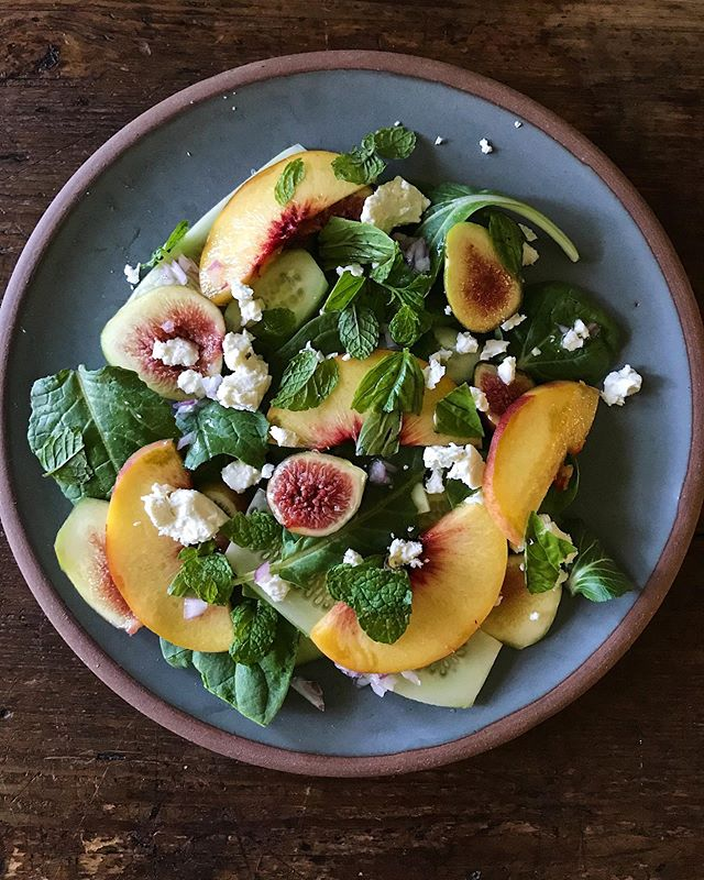 This 👏 Salad 👏: figs, cukes, peaches, greens, red onion vinaigrette, herbs on herbs and feta salad inspired by @scribewinery via @bonappetitmag 💛 #thefulltable
