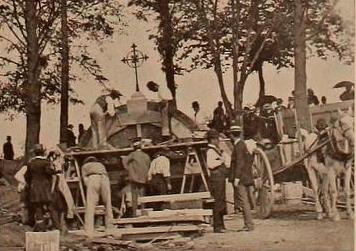 Constructing the temporary tomb