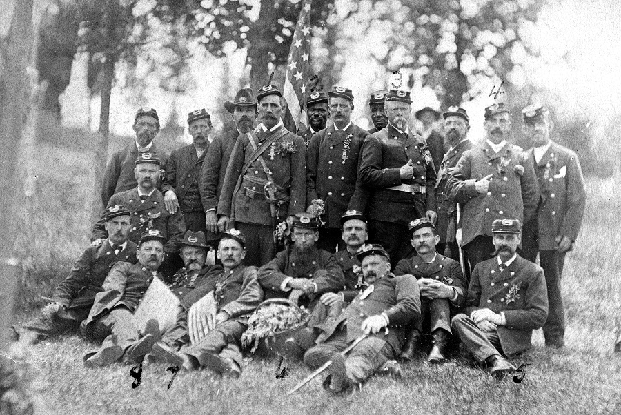115 NYVI Reunion 1890-1901 4x6 original.jpg