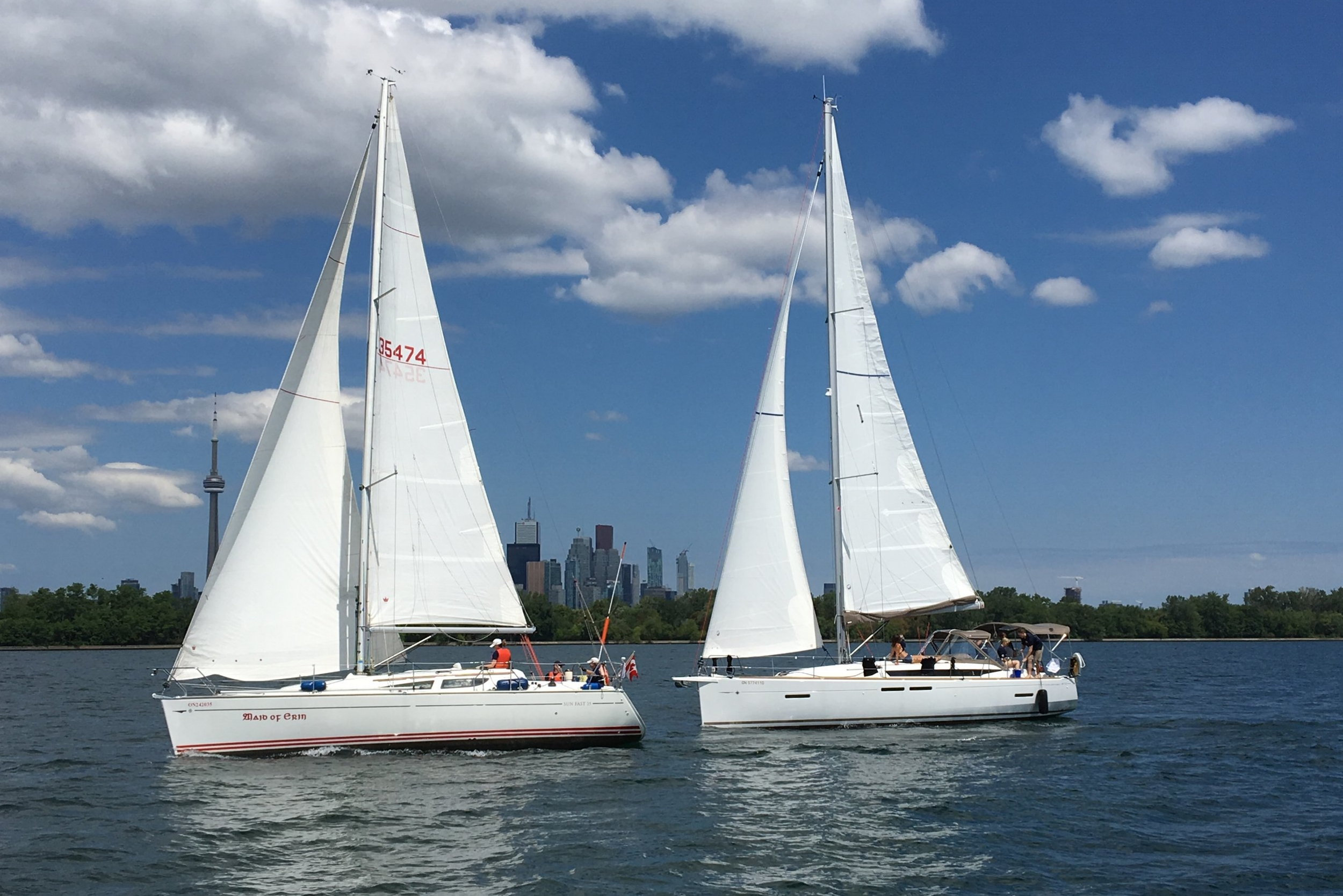 SUMMER Rendezvous Schedule - It is time to hoist your sails! Jeanneau Dealers all around North America are planning their Jeanneau Owners Summer Rendezvous. Mark your calendars!