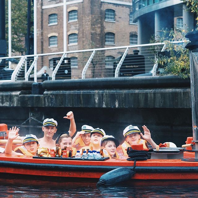 👨👩👧👧HALF-TERM HOT TUB BOAT DISCOUNT!👨👩👧👧  If you're looking for something unique to keep the teens occupied this half-term, we're offering 25% off all family group Hot Tub Boat trips!  Just enter the code HALFTERM in the discount section upon checkout😀  (Kids must be 12+ to attend and accompanied by 2 adults on each trip) • • • • • • #skunaboats#familieswhotravel#familygoals#kidsofinstagram#teenagers#holiday#halfterm#hottubboat #hottubtime #londonthingstodo #canarywharf #october