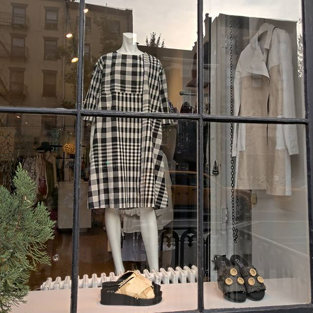 On the window!  @basco_nest_jp @pretpourpartir @collectionpriveeofficial #madeinjapan #madeinfrance #madeinitaly #summer19 #nycfashion #westchelsea