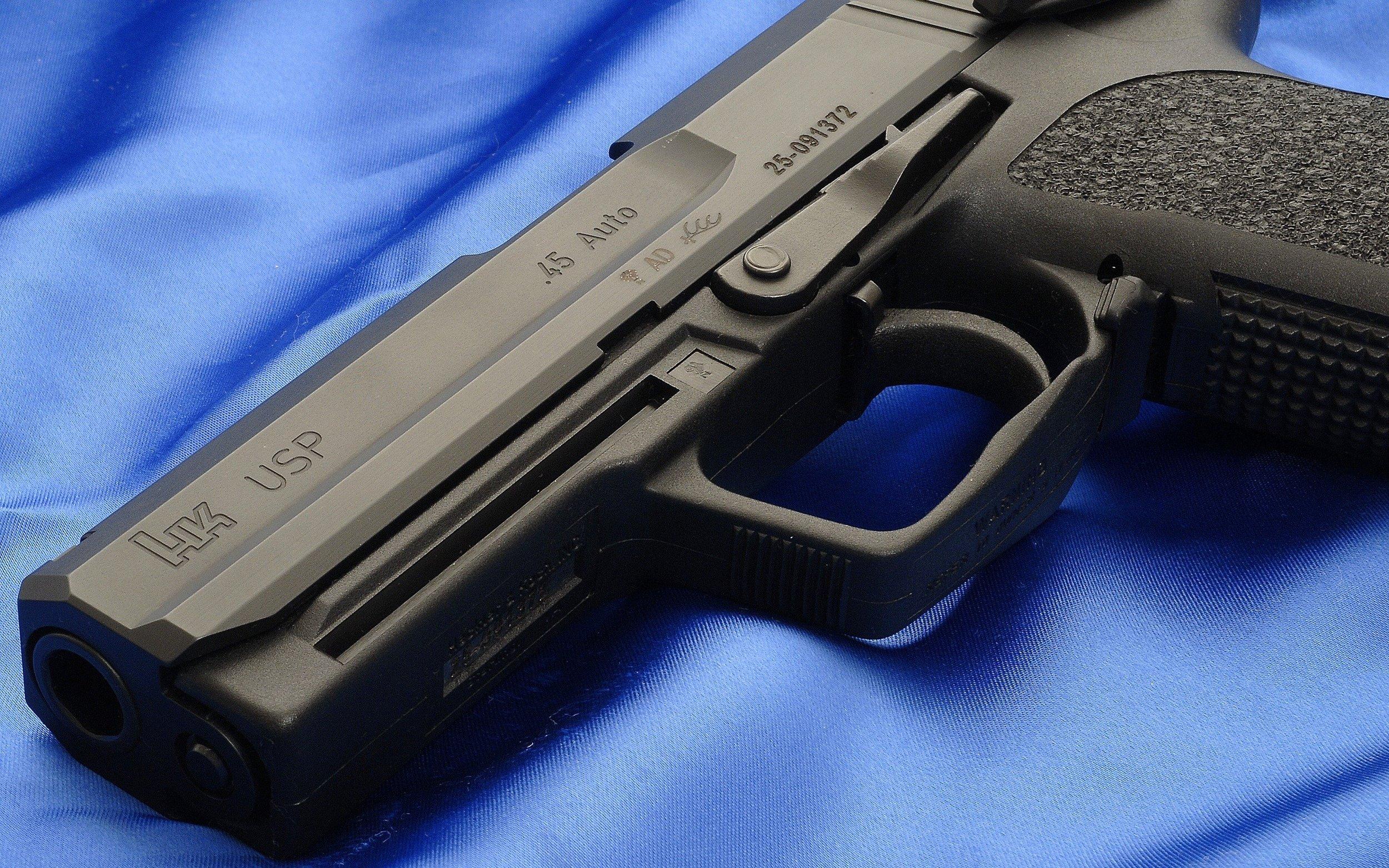HK_Elite_Black_Gun_Weapons_HD_Wallpapers.jpg