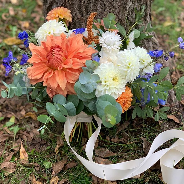 Another shoutout to bridal bouquets with color. 🌈 Now seeking dahlia loving brides for their fall 2020 weddings! #flowerfarm #flowerfarmer #dahlias #bridalbouquet #mngrown #localflowers #mnweddings