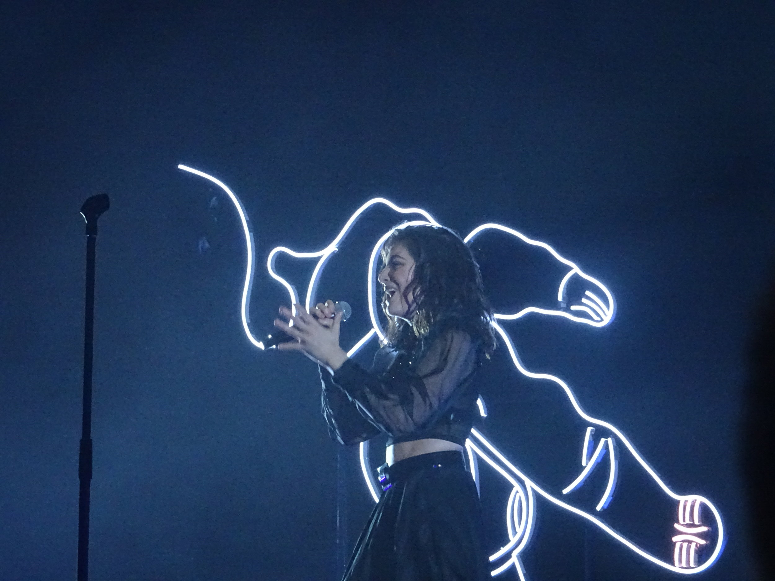 Lorde, Alexandra Palace (c)Philip Giouras @ The Perfect Tempo