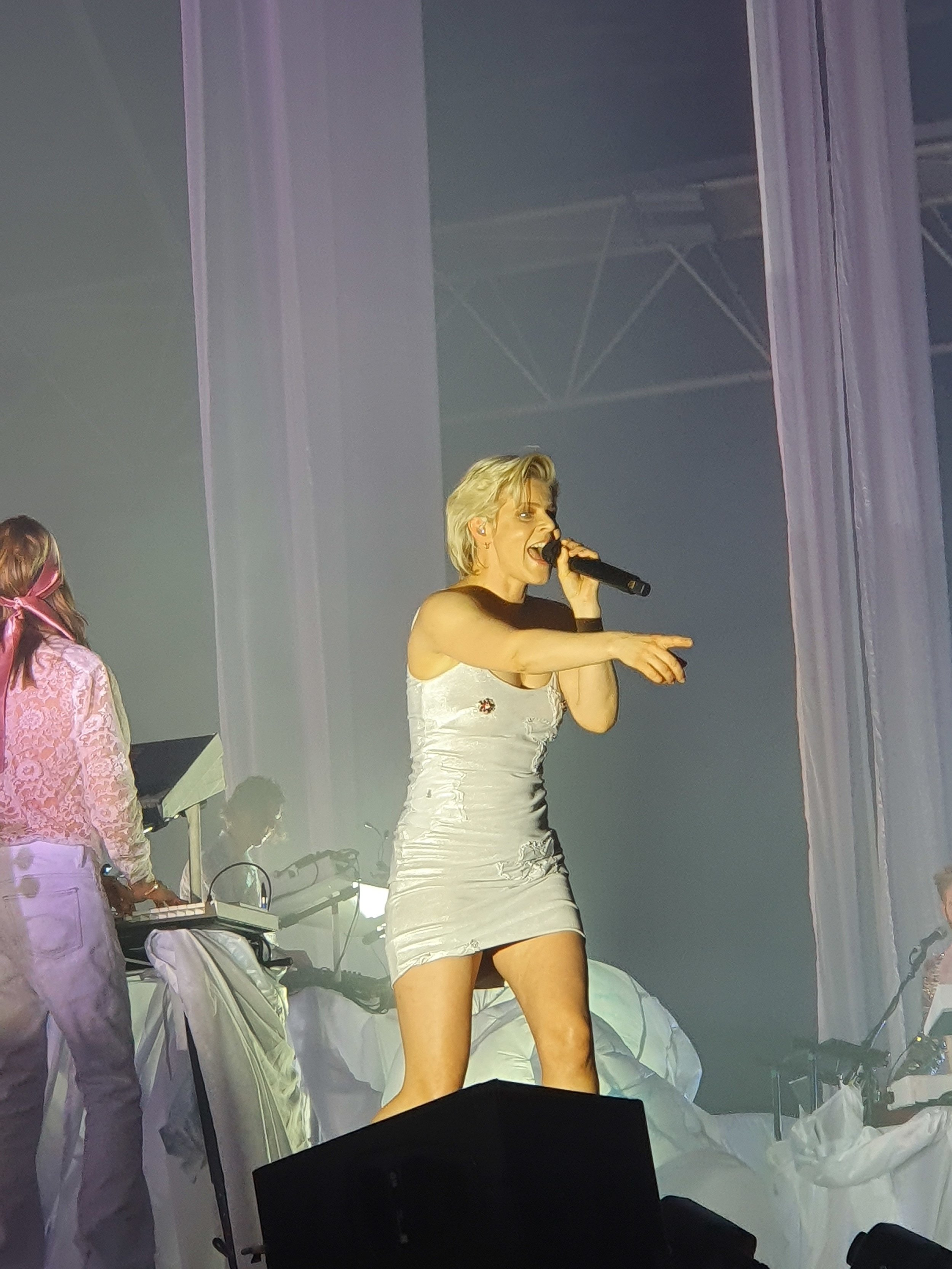 ROBYNALEXANDRA PALACE [12/04/19] - When Robyn made her long-awaited return to London last week, the results were simply glorious.