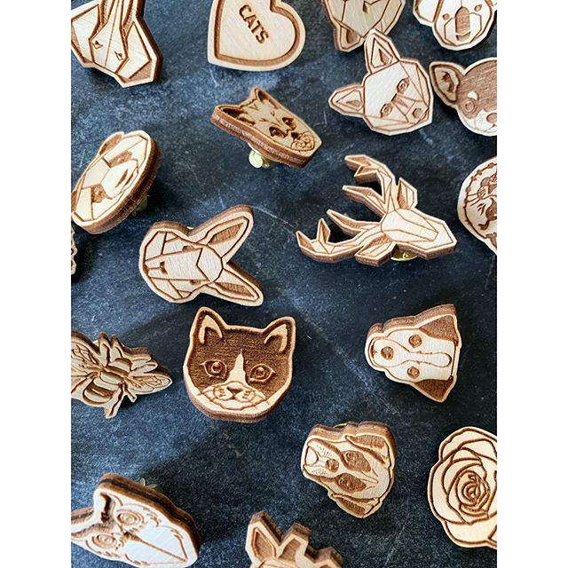 Tack Pins Everywhere! . . #dingyproject #mensfashion #womensfashion #helpinganimals #dog #cat #deer #rose #bee #owl #fox #rescuedontbuy #animalactivist #adoptdontshop #fashionforacause #menstyle #womenstyle #fashionpin #pin #showyourdingy #dingy #shoplocal #locallove #fashion # #fashionblogger #igfashion