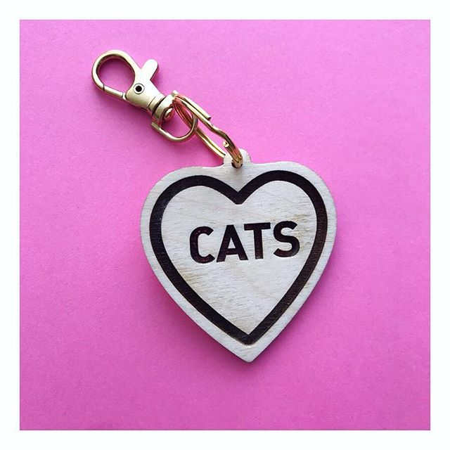 Kitty ❤️ Love! . . . #dingyproject #cat #catlove #helpinganimals #columbusartist #rescuedontbuy #animalactivist #adoptdontshop #happyfriday #tgif #fashionforacause #kittycat #keychain #showyourdingy #dingy #asseenincolumbus #dingydingy #shoplocal #friskeyfriday #friskey #purseclip #bagclip #kitty