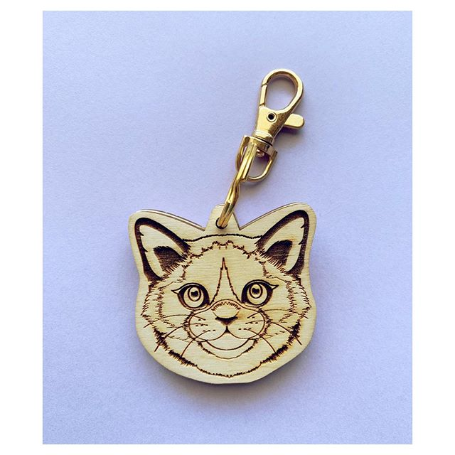 Purrrfection! . . . #dingyproject #mensfashion #womensfashion #helpinganimals #asseenincolumbus #lifeincbus #columbusartist #rescuedontbuy #animalactivist #adoptdontshop #614artist #614art #fashionforacause #menstyle #animalpocket #womenstyle #keychain #showyourdingy #dingy #dingydingy #shoplocal #catsofinstagram #fashion #columbusohio #kitty #fashionblogger #columbusbloggers #igfashion #socialenterprise