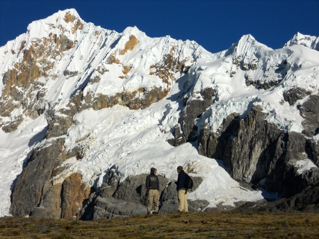 Ricky shares Christ with an Israeli trekker at 15,000 ft.
